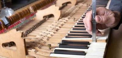 Bron Piano - Accordeur et réparateur de pianos - Thonon-les-Bains
