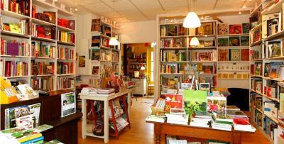 Librairie La Bruyere Vagabonde - Salon de thé - Poitiers