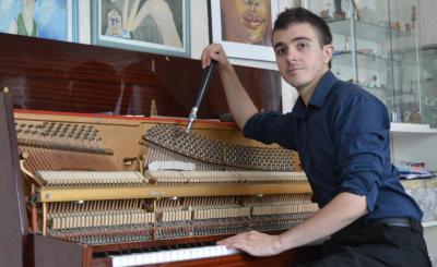 Accordeur De Piano Arthur Bisceglie - Accordeur et réparateur de pianos - Poitiers