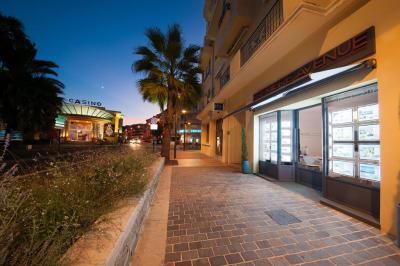 Première Avenue - Agence immobilière - Sainte-Maxime