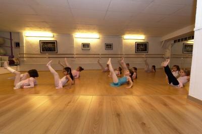 Ateliers Petits Pieds Grands Sauts SARL - Cours de danse - Versailles