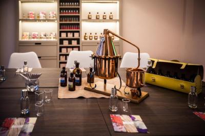 Candora - Parfumerie à la carte - Parfumerie - Paris
