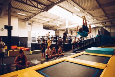 Let's Jump Trampoline Park Bordeaux Lac - Parc d'attractions et de loisirs - Bordeaux