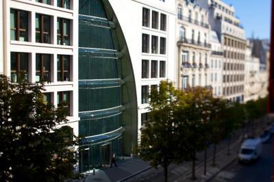 Bouygues Telecom - Chaînes de télévision - Paris