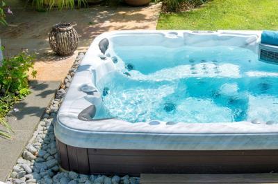 Aquilus Piscines et Spas Beaune - Construction et entretien de piscines - Beaune