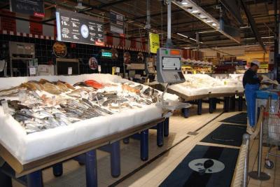 Auchan - Station-service - Olivet