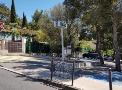 Parking Cassis Daudet - EFFIA - Parking public - Cassis