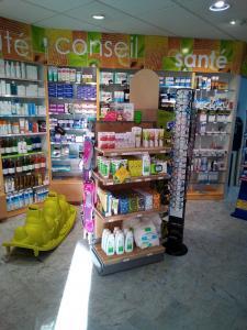 Pharmacie Des Arcades La Trinité - Pharmacie - La Trinité