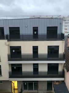 Ponthieu Pose Et Renovation P.P.R. - Miroiterie - Paris