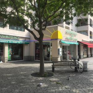 Pharmacie Du Point Du Jour // Hello Pharmacie - Pharmacie - Lyon