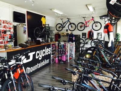 Dj Cycles - Vente et réparation de vélos et cycles - Paris