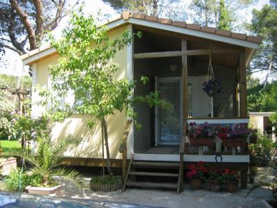 Camping Caravaning des Collines - Location de caravanes et de mobile homes - Bouc-Bel-Air