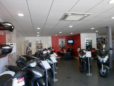 Honda Moto - Vente et réparation de motos et scooters - Clamart
