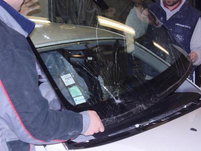 Carrosserie Roux VLC - Vente et réparation de pare-brises et toits ouvrants - Albi