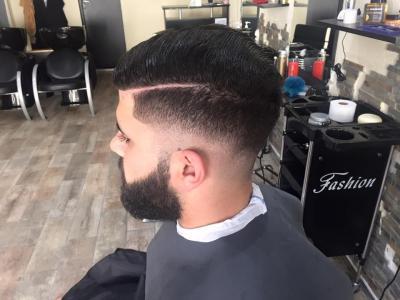 Million Hair - Coiffeur - Senlis