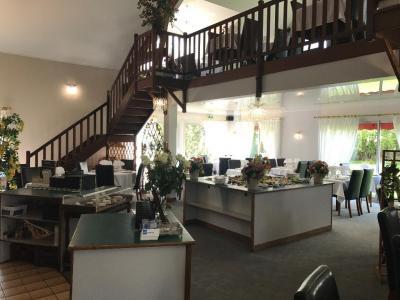 Resto-Grill La Fontaine - Restaurant - Bernay