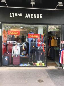 17 Eme Avenue Mme Baranes - Vêtements femme - Paris