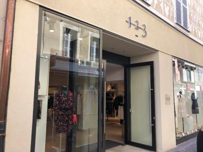 1.2.3. - Vêtements femme - Bourg-en-Bresse