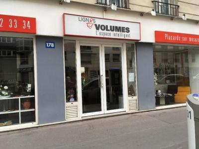 Lignes Et Volumes - Fabrication et installation de bibliothèques - Paris