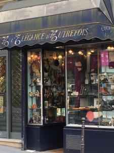 A l'Elégance d'Autrefois - Vêtements femme - Paris