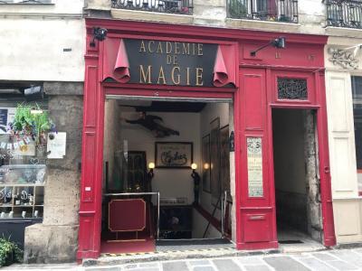 Académie De Magie - Artistes du spectacle - Paris