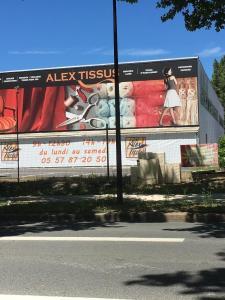 Alex Tissus - Machines à coudre et à tricoter - Bordeaux