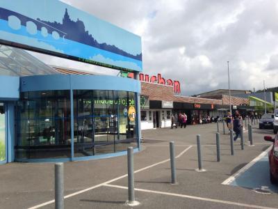 Auchan - Supermarché, hypermarché - Gien