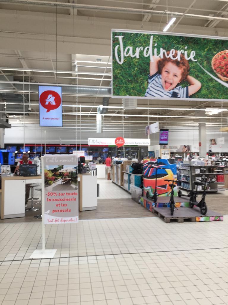 Auchan Bordeaux Lac Av Quarante Journaux 33300 Bordeaux