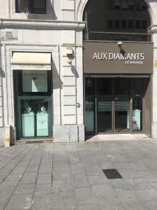 Lalique Cristallerie - Fabrication de cristal, vaisselle et orfèvrerie - Pau