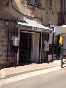 Acropolis Telecom - Vêtements femme - Porto-Vecchio