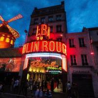 Bal Du Moulin Rouge - PARIS