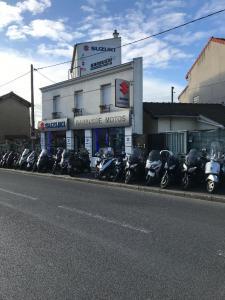 Suzuki Moto - Vente et réparation de motos et scooters - Montreuil