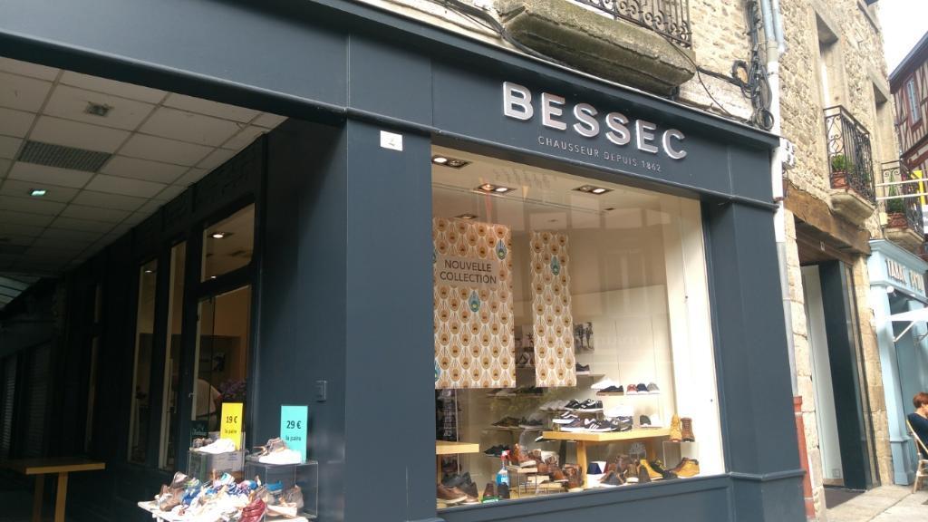 Bessec, 4 pl Marchix, 22100 Dinan Magasin de chaussures