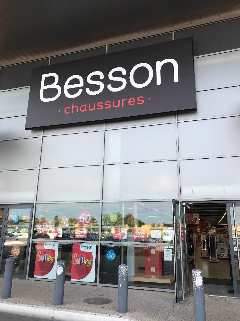 Besson Chaussures Centre commercial Mondevillage