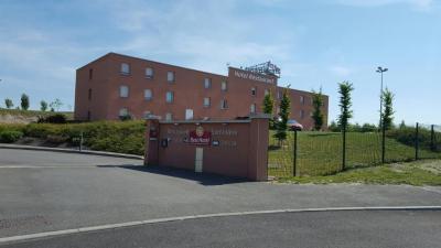 Best Hôtel Croix Blandin - Hôtel - Reims