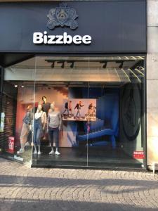 Bizzbee - Vêtements sportswear - Paris
