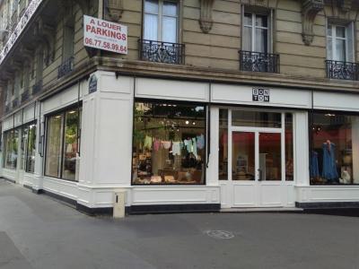 Bonton - Vêtements femme - Paris