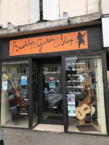 Brooklyn Guitar Shop - Vente et location d'instruments de musique - Saint-Dizier