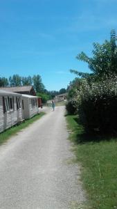 Camping La Combe - Camping - Barjac