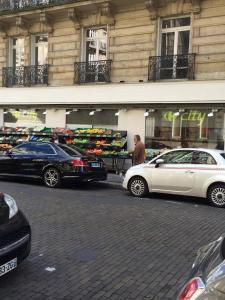 Carrefour City - Alimentation générale - Paris