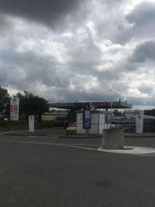 Carrefour Market - Location d'automobiles de tourisme et d'utilitaires - Saint-Sulpice-la-Pointe