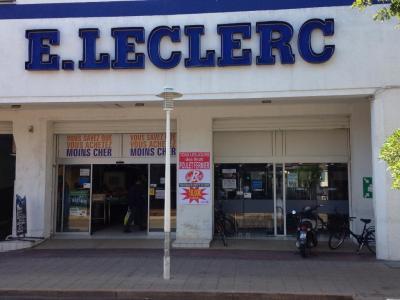 Centre E.leclerc - Location d'automobiles de tourisme et d'utilitaires - Arcachon