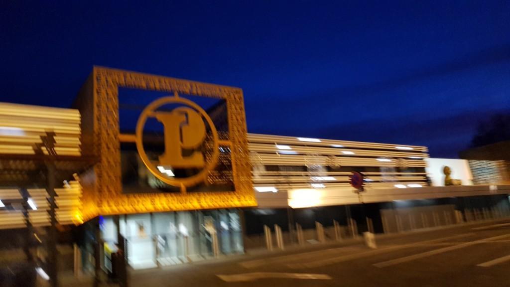 Centre Leclerc Arras Station Service Adresse Avis