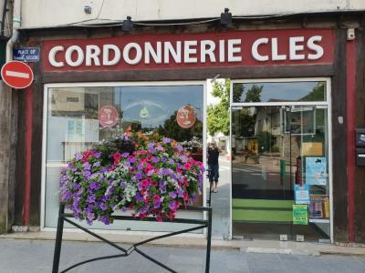 Cordonnerie De La Friperie - Cordonnier - Provins