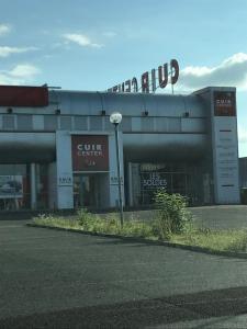 Cuir Center - Magasins de canapés et salons - Bordeaux