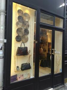 Elysees Luxe - Dépôt-vente de vêtements - Paris