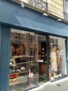 Emarobe - Vêtements femme - Paris