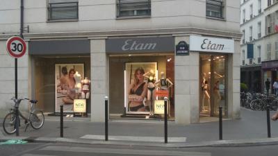 Etam Lingerie - Lingerie - Paris
