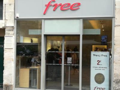Free Center F DISTRIBUTION - Vente de téléphonie - Poitiers