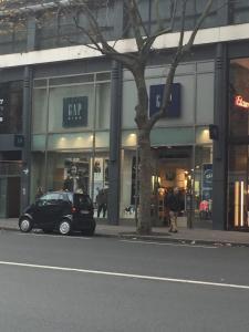 Gap - Vêtements femme - Paris